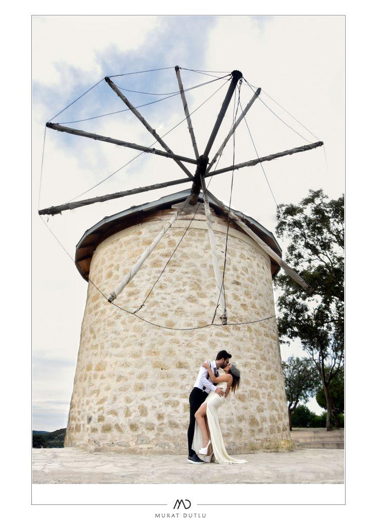 Alaçatı değirmen fotoğrafları, düğün fotoğraf çekimleri alaçatı, dış çekim alaçatı